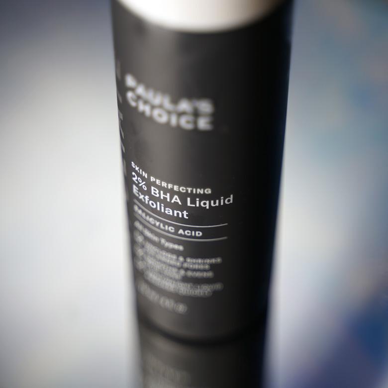 Vorsicht mit chemischen Peelings bei einer geschwächten Hautbarriere.